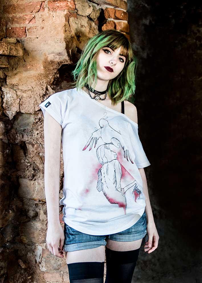 tee-maglietta-donna-tshirt-pavoncella-gallinella-sardinia-sardegna-carnevale-tradizioni-apparel-clothing-tempesta-heya-heyastore.com