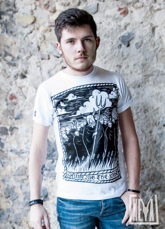 tee-maglietta-tshirt-bundos-sardinia-sardegna-carnevale-tradizioni-apparel-clothing-tempesta-storm-heya-heyastore.com